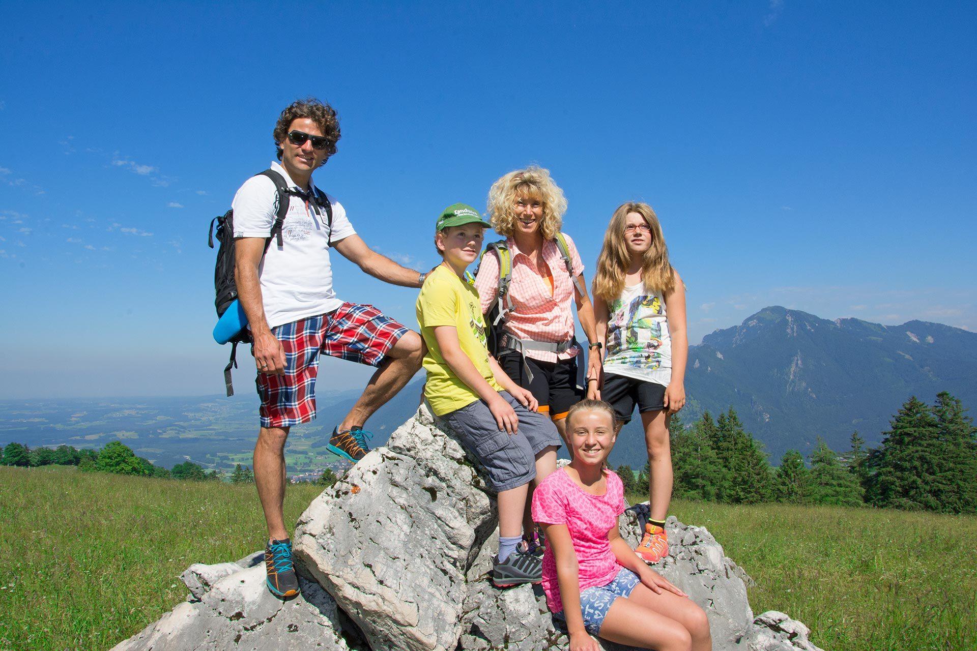 Familie-auf-Fels